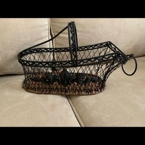 Vintage Wine Bottle Basket